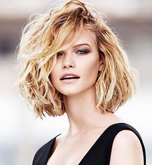 cheveux-ondules-femme-20-ans-idee-coiffure.jpg