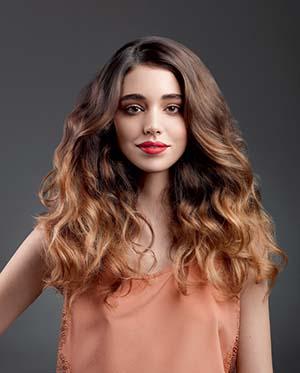 coiffure-cheveux-fonces-ondules-20-ans.jpg