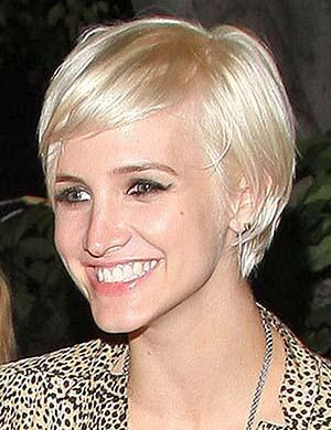coiffure-courte-femme-pour-visage-long.jpg