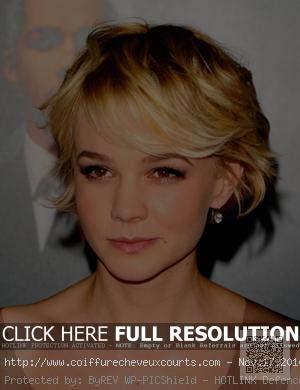 coiffure-courte-femme-pour-visage-ovale.jpg