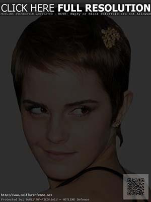 coiffure-courte-femme-visage-allonge.jpg