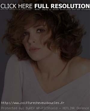coiffure-femme-40-ans-visage-carre.jpg