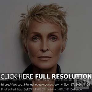 coiffure-femme-60-ans-cheveux-tres-courts.jpg