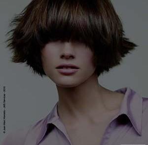 coiffure-femme-cheveux-courts-epais.jpg
