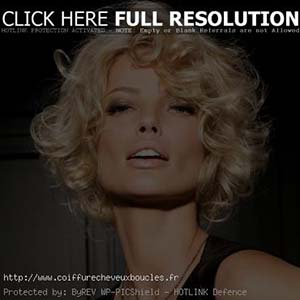 coiffure-femme-cheveux-courts-ondules.jpg
