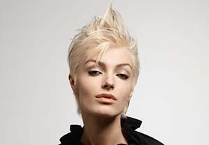 coiffure-femme-cheveux-courts-visage-carre.jpg