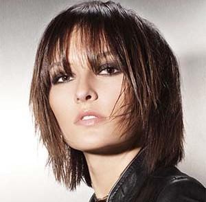 coiffure-femme-cheveux-fins-visage-rond.jpg