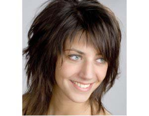 Coiffure femme visage long ma for Coupe cheveux fins raides frange