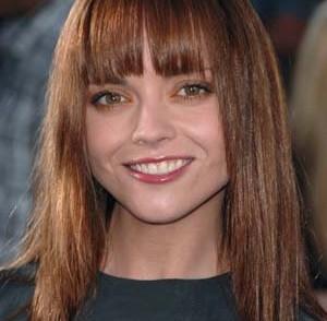 coiffure-frange-pour-femme-visage-long.jpg