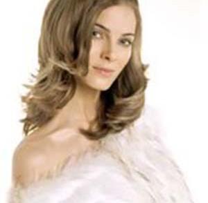 coiffure-ideale-pour-visage-carre.jpg