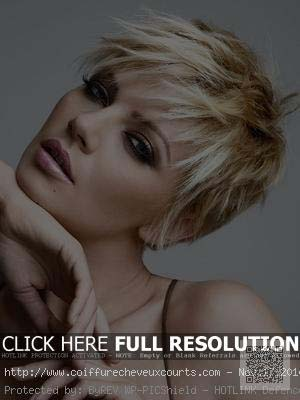 coiffure-mi-long-femme-blonde-20-ans.jpg
