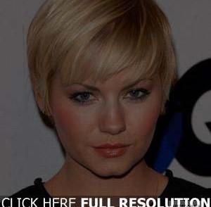 coiffure-simple-femme-visage-carre.jpg