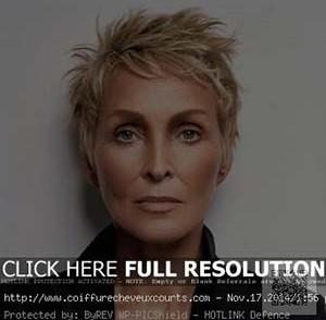 coiffure,femme,60,ans,cheveux,tres,courts