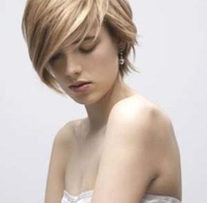 coiffure-visage-ovale-cheveux-epais.jpg