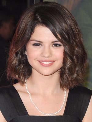 coiffure-visage-rond-cheveux-frises.jpg