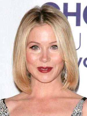 coupe-cheveux-visage-carre-femme-blonde.jpg