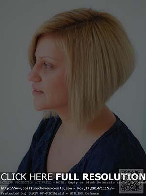coupe-courte-cheveux-raides-visage-rond.jpg
